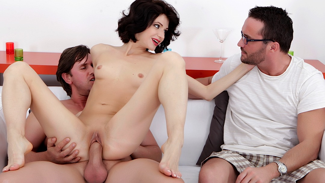fucking-a-girl-in-front-of-a-boy-girls-looking-at-large-cock